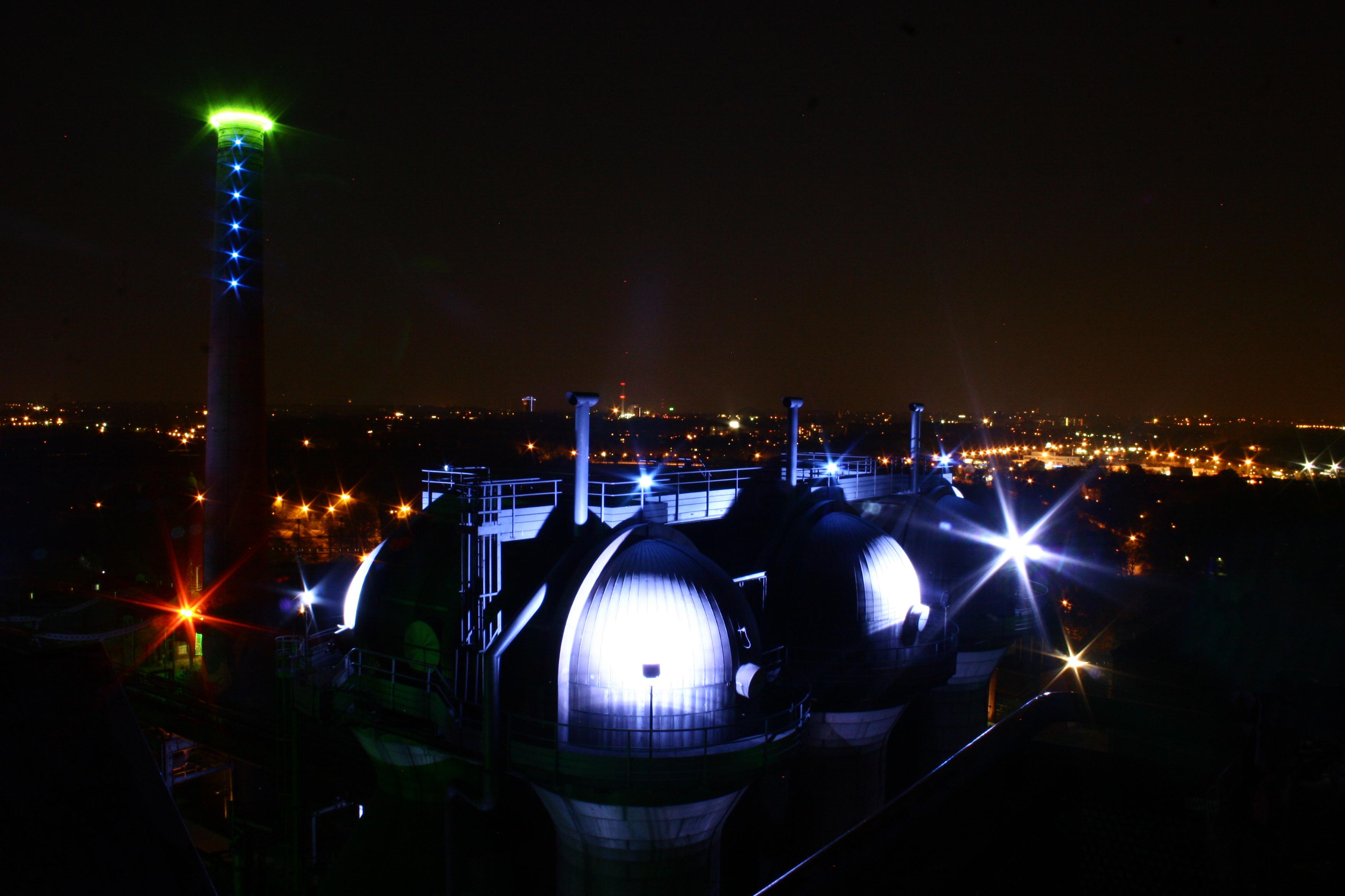 Panoramablick auf das Ruhrgebiet vom Landschaftspark Nord Duisburg